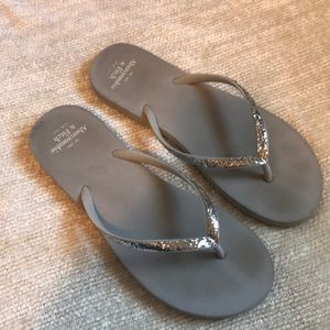 Abercrombie & Fitch Flip Flops SZ Medium